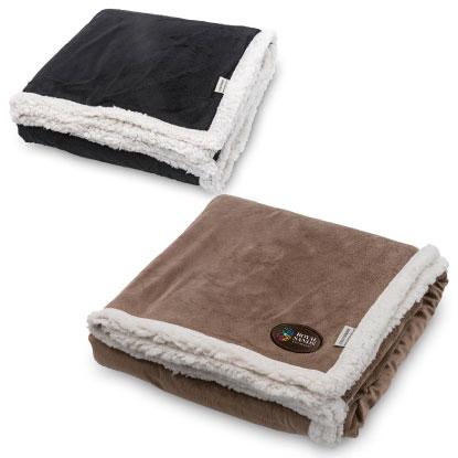 Blanket with custom decoration